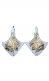 PALMLEAF SHAPED PORCELAIN EARRINGS HIGHLITED WITH GOLD