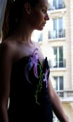 STRAPLESS VELVET DRESS WITH LILACS APPLIQUÉ